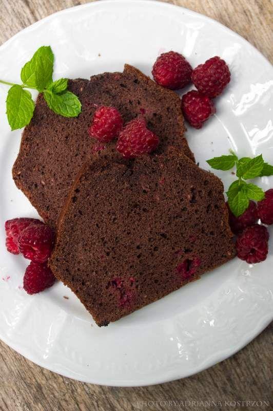 Kakaowe ciasto z malinami