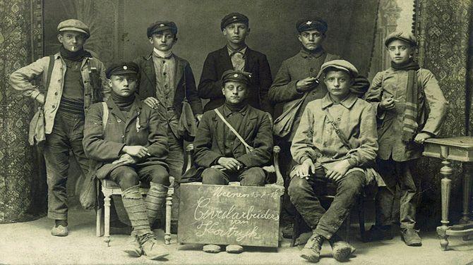 De FOD Sociale Zekerheid toont het leven van de Belgische burgers tijdens de Eerste Wereldoorlog: hun dagelijks leven, lijden, verzet en de dramatische situaties waarmee ze geconfronteerd werden.