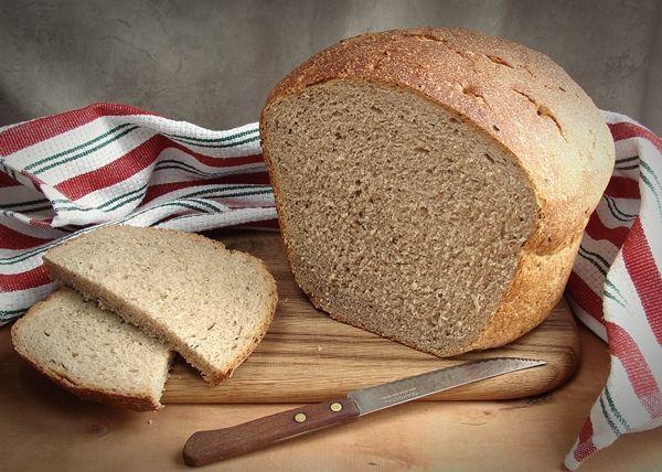 Вот интересно, почему я так люблю литовский хлеб? В Литве я была лишь однажды, мимолетно, оооочень давно, и тамошнего хлеба совсем не запомнила. Но литовский хлеб с…