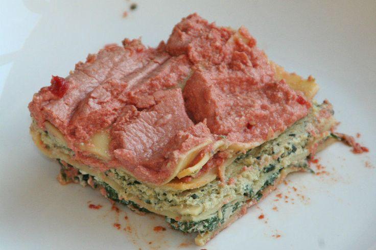 Spinazie ricotta lasagne: heerlijke vegetarisch. Met een basis van ricotta, een minder volvette kaas en 3 soorten groenten.