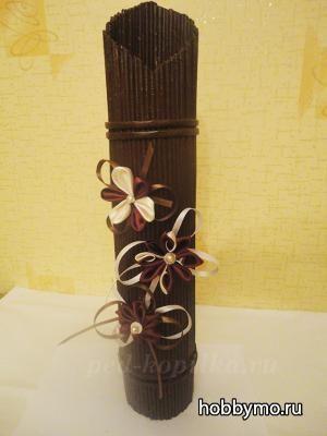 Стильная напольная ваза из газетных трубочек своими руками