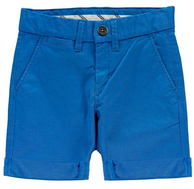 Jongens blauwe bermuda short NITALLAN van het kinderkleding merk Name-it.  Dit is een effen blauwe (Nautical blue) long chino short of bermuda broek. Deze broek is voorzien van een schuifknoop + rits sluiting en is verstelbaar in de taille. Met 2 zijdelingse steek zakken.