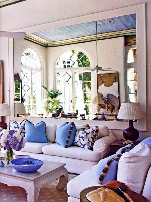 Blue & white in British Colonial style.