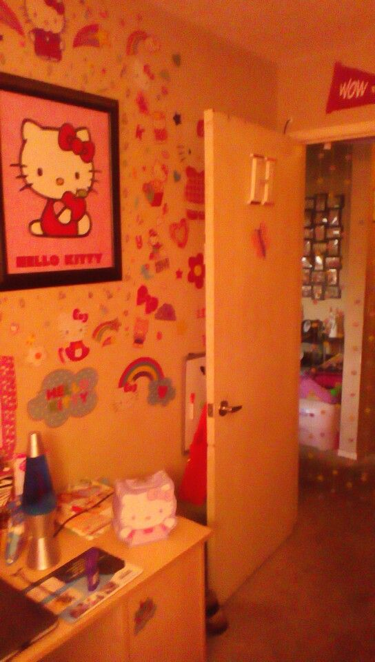 Bugs hello kitty room