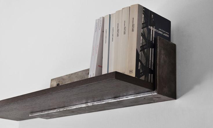sbalzo: Mensola con struttura in ferro ossidato piano in legno  dimensioni  L 80 / 100 cm  H 16 cm  P 22 cm   struttura ferro ossidato  piano legno wengè