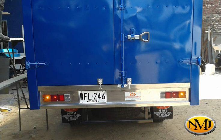 Porqué utilizar Carrocerías para Furgones de mala calidad, sabiendo que la mejor manera de ahorrar tiempo y dinero es optar por una mejor manufactura en la construcción del cuerpo de su furgón?. http://www.carroceriasyfurgonesnmj.com/diseno-instalacion-mantenimiento-y-venta-de-camiones-furgones-nuevos-y-usados