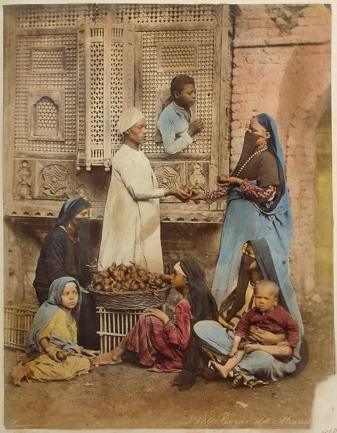 "Zangaki, ""Bazar des Mandarines"", Egypte ca 1880 - photo de studio"
