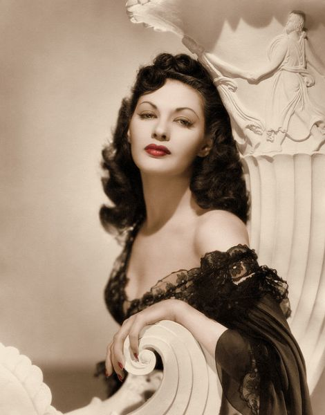 Yvonne De Carlo, 1940s. Hard to believe she was married to Moses in 'The Ten Commandments'! You go, Moses.