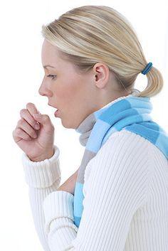 Quel antitussif naturel utiliser contre la toux ? Afin de calmer plus rapidement la toux, découvrez ce remède de grand-mère. Le bouillon blanc agit comme expectorant contre la toux et il soulage également les maux de gorge. Le bouillon blanc peut donc être utilisé en cas de bronchite, laryngite, trachéite, pharyngite et les inflammations des voies respiratoires.