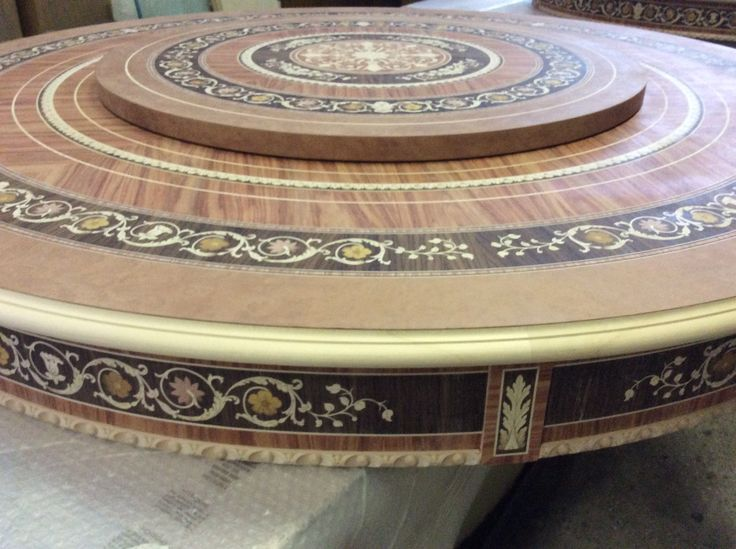 Round Susan lady table in design antic Maggiolini Made in Italy Arvestyle