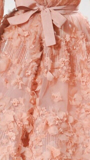 A peach colored dress would look gorgeous with my skin tone and perfect for prom! #TopshopPromQueen
