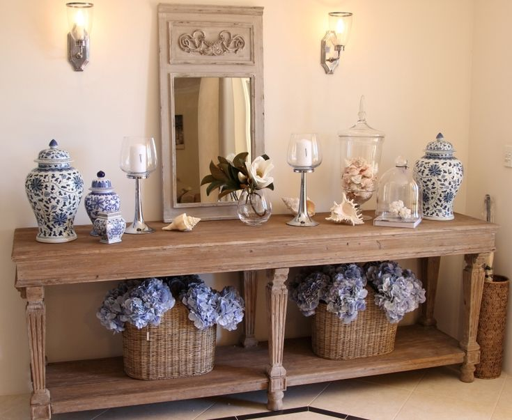 Blue & white and this large timber console are a feature in this Hamptons style entry.