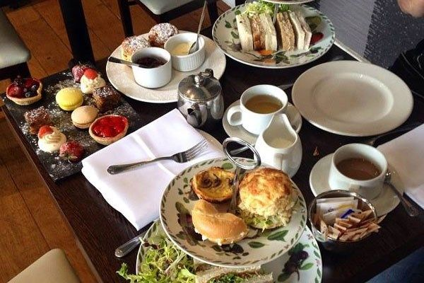 The 4-Star Colwick Hall Hotel in Nottingham is a wonderful place to delve into a champagne afternoon tea with your loved one