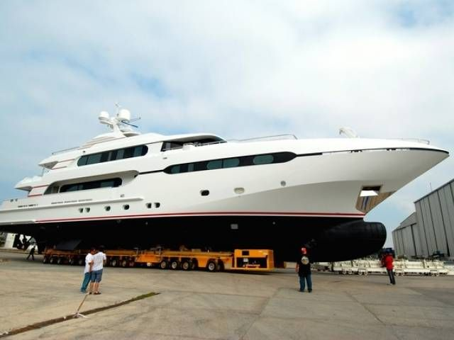 Sunrise Yachts vara un nuovo 45m  Sunrise Yachts launches new 45m yacht