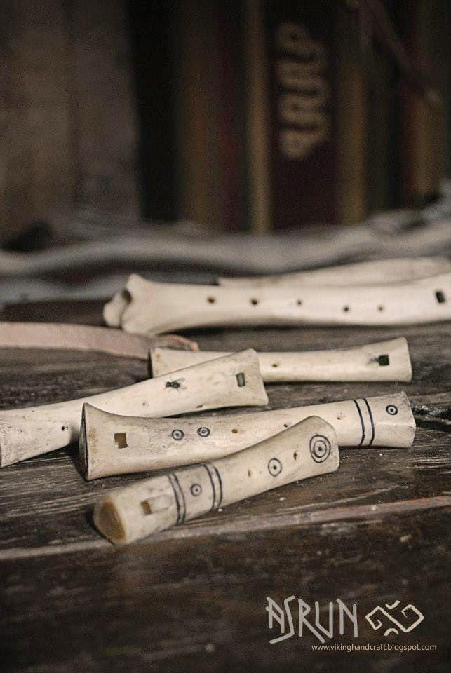 viking handcraft: Knochenflöte
