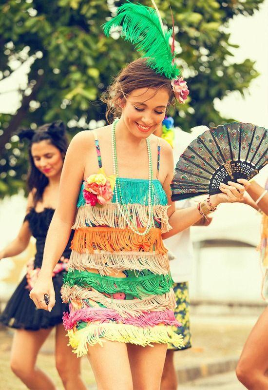 Faça chuva, faça sol… No BRASIL É CARNAVAL! Gente, pensa numa pessoa louca por carnaval… EU! Pra mim, essa é a melhor comemoração do ano, não há nada mais divertido. E pra ficar ainda mais legal, é INDISPENSÁVEL um...