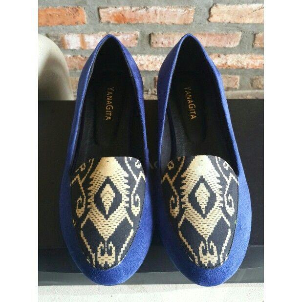 Uma flatshoes