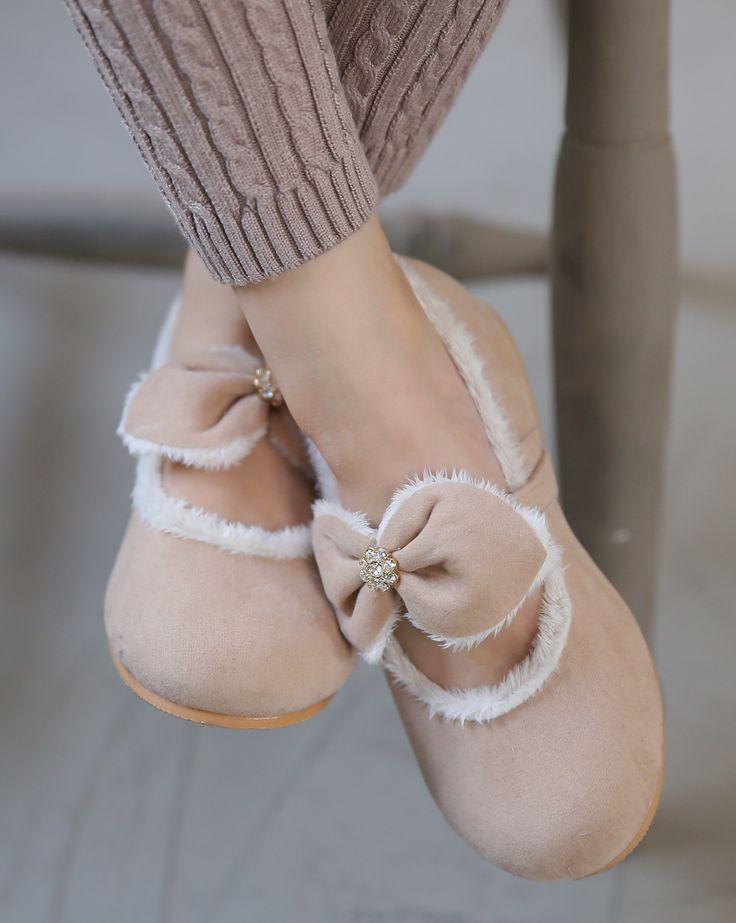 Ozkiz Girls Delight Polyurethane Fur Flats #Fallshoes #Kidsshoes #kidsflatshoes #Kidsstyle