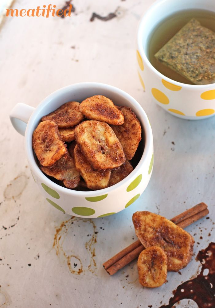 SCD Crunchy Cinnamon Baked Banana Chips (*Use SCD legal banana chips & substitute honey for maple syrup option...)