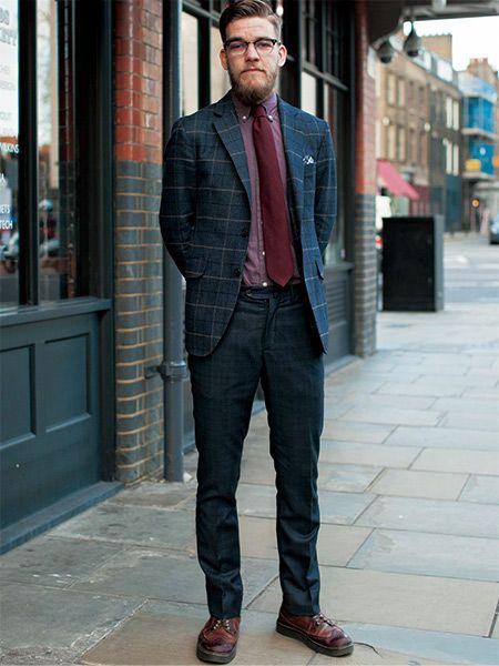 クラシックなジャケットをVゾーンで巧妙に外す紳士 | メンズファッションの決定版 | MEN'S CLUB(メンズクラブ)
