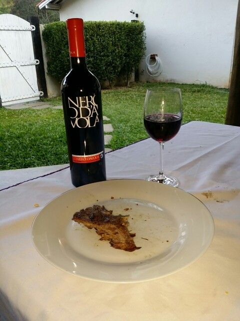 NERO D' AVOLA TOLA e fraldinha!  Deliciosa combinação!  www.chavesoliveira.com.br/ (11) 2155-0871