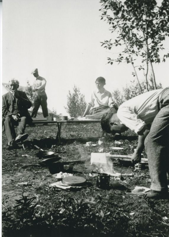 Grand Dad & Dorothy Baker | saskhistoryonline.ca