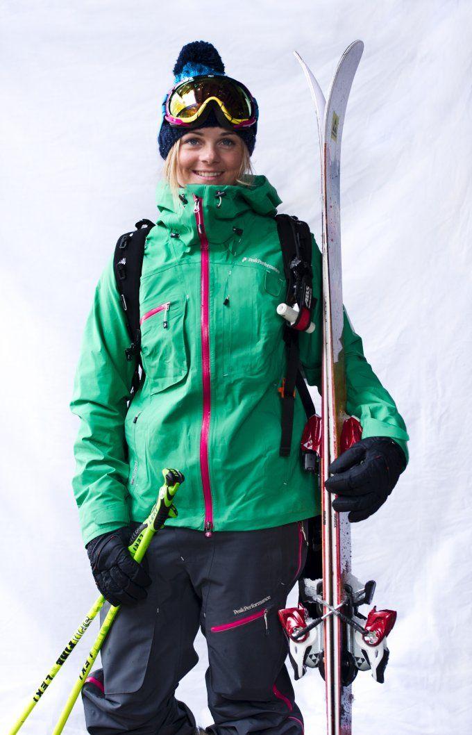 Peak Performance friend Sandra Lahnsteiner in Heli Alpine pants and jacket.