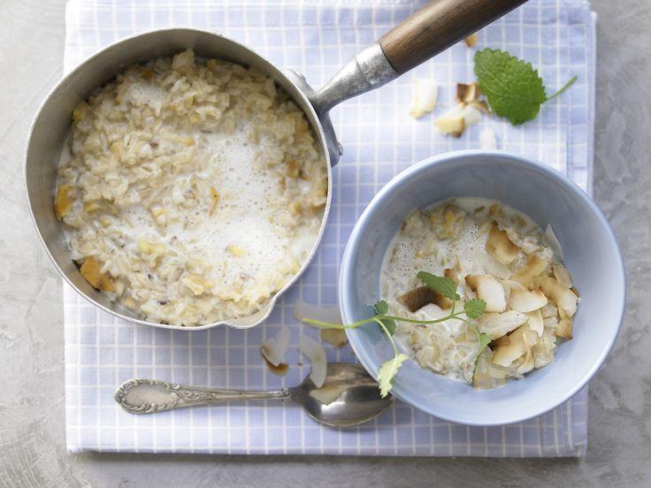 Naturreis-Porridge - mit getrockneter Mango und Kardamom - smarter - Kalorien: 269 Kcal - Zeit: 25 Min. | eatsmarter.de