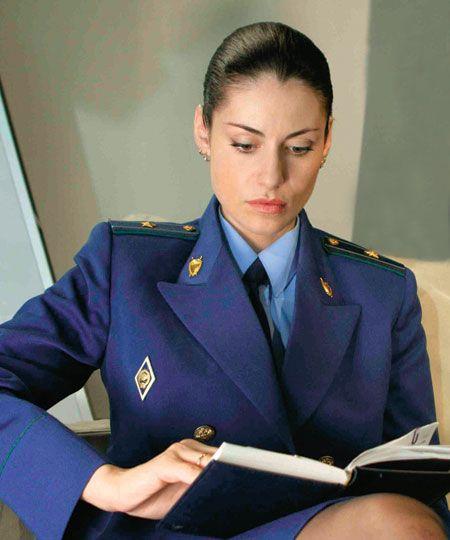 в «Тайнах следствия» - прокурорша Анна Ковальчук