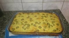 A Torta de Bacalhau é uma receita muito saborosa e cremosa que vai agradar toda a família. Faça e receba muitos elogios! Veja Também:Torta Rápida de Bacal