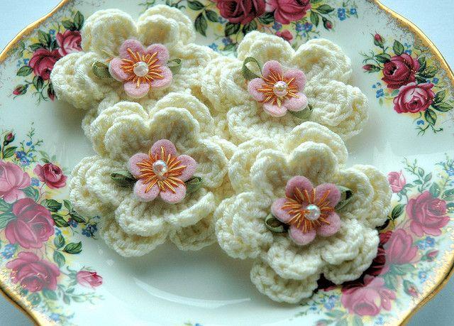Cream Crochet Flowers | Flickr - Photo Sharing!