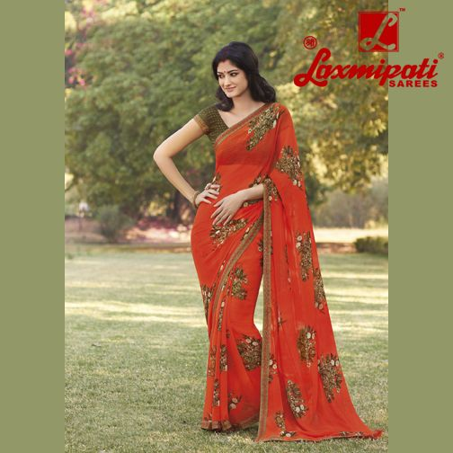 Do you agree sarees create women appear excellent hot? Share this picture with somebody who you think looks amazing in saree!  ‪#‎SareeLove‬ ‪#‎LookGood‬ ‪#‎LaxmipatiSaree‬