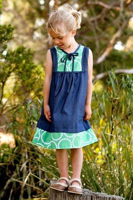 """Naaipatroon, tuniek jurkje """"Mini Poppy"""" voor meiden van 6 tot 10 jaar Gebaseerd op het populaire Poppy Tunic patroon, de Mini Poppy is een prachtige jurk voor het meisje dat is dat bol staat van de stijl."""