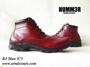 Update sepatu boot pria  Kontak Kami: Holine / SMS : 081315979176 BBM : 224A1F27
