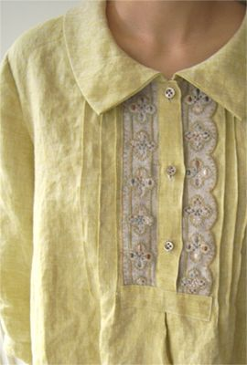 linen,lace, and pleats....so lovely
