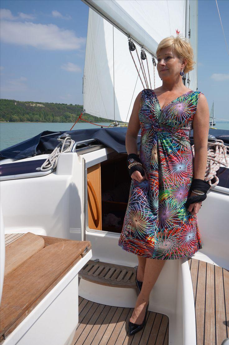 Poppyfashion divatos női ruhák. Megfizethető luxus, Stílusos megjelenés