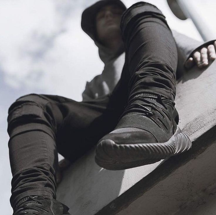 adidas tubular doom triple black