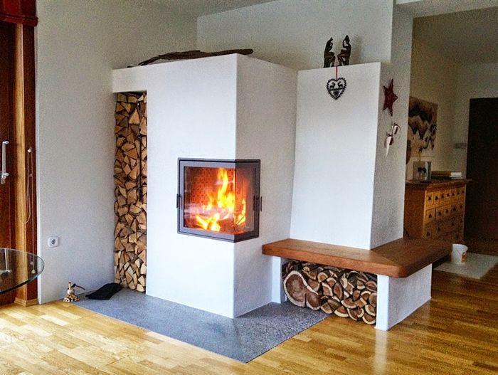 Ber ideen zu kachelofen auf pinterest moderne kachel fen grundofen und kachelofen modern - Holzaufbewahrung wohnzimmer ...