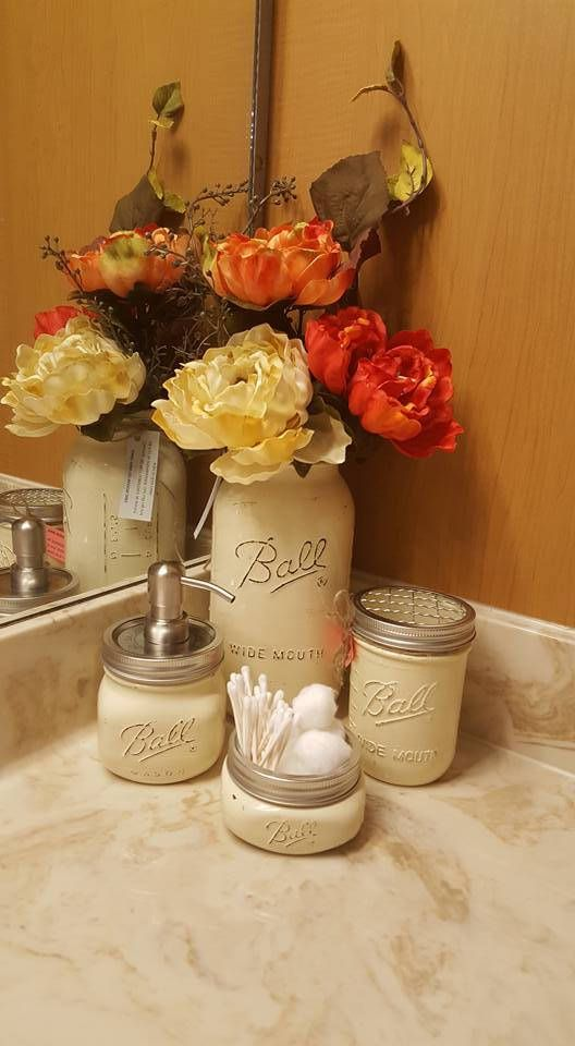 Mason jars, Bathroom jars, set of 4 Vanilla cream, farmhouse decor, bathroom decor, soap dispenser, toothbrush holder, rustic, western, home by sewtasticthings on Etsy #farmhousedecor #bathroomdecor #masonjarsoapdispenser #rusticdecor #westerndecor #farmhousebathroom #rusticbathroom #westernbathroom #weddinggift #housewarming