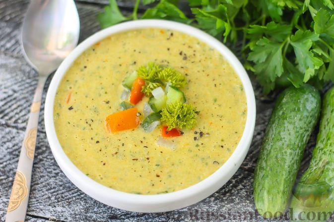 Фото приготовления рецепта: Гватемальский суп-пюре из огурцов и сладкого перца - шаг №6