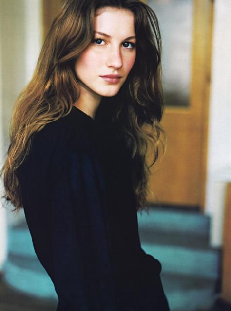 Giselle Bundchen wow she looks different. natural and still beautiful