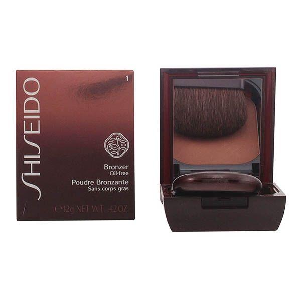 Shiseido - BRONZER oil-free powder 01-light 12 gr Shiseido 34,62 € https://shoppaclic.com/ciprie-compatte/15227-shiseido-bronzer-oil-free-powder-01-light-12-gr-0730852107397.html