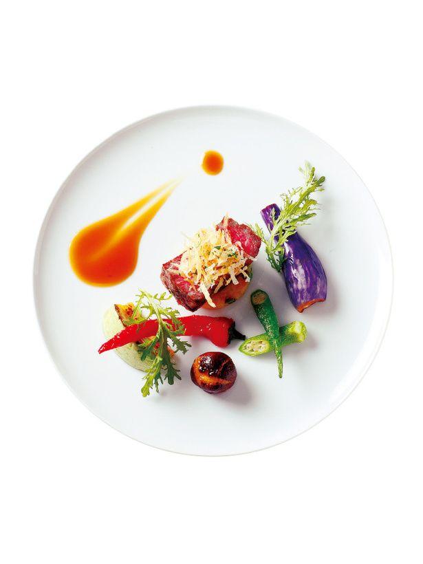 『パーク ハイアット 東京』  「近江牛  ランプ肉のローストシチリア茄子と丸ズッキーニ焼きピーマン 風味のジュ」