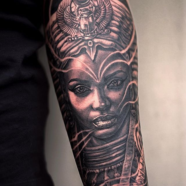 25 best ideas about egyptian queen tattoos on pinterest nefertiti tattoo queen nefertiti and. Black Bedroom Furniture Sets. Home Design Ideas