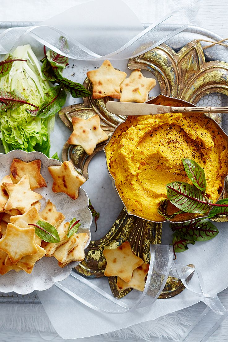 Give this delicious roast carrot, garlic and macadamia hummus a festive touch and accompany with star-shaped naan bread - it's perfect to kick-start your Christmas Day lunch or dinner.