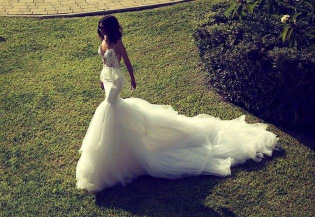 oooh la la - what a wedding dress!