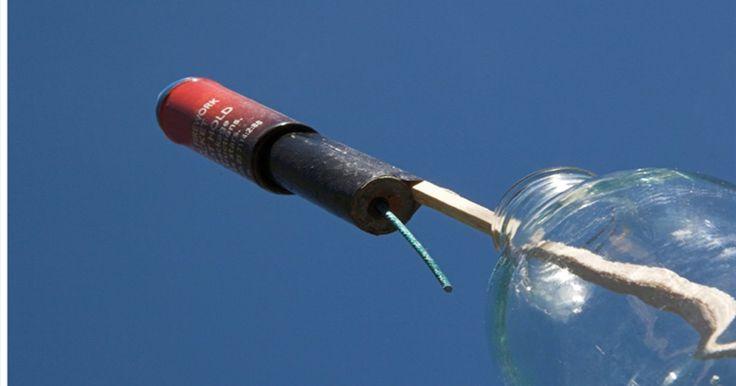 Cómo construir un cohete de botella con paracaídas. Un cohete de botella es una botella de dos litros con aire comprimido y agua liberados hacia arriba. Tiene mucho que ver con la ciencia porque podemos utilizar esta herramienta para aprender una gran cantidad de conceptos sobre movimiento, fuerzas, energía y vuelo así como el método científico. Utilizarlo con un paracaídas es otra historia. Aquí ...