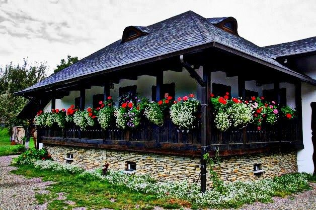 Traditional House in Gura Humorului- Moldavia http://tripsandtipsinromania.com/the-painted-monasteries-in-moldavia/