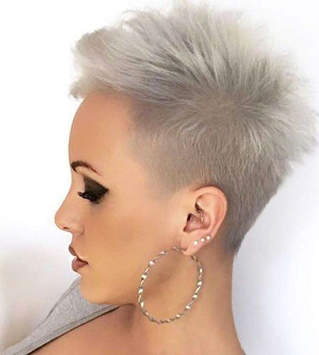Grey Short HairStyles 2018 #shorthair #shorthairstyles #shorthairstylesforwomen #greyhair #shorthaircuts #shorthaircutstyles #shorthaircutsforwomen #sexyshorthair #chicshorthaircuts #chicshorthairstyles #trendyshorthairstyles #trendyshorthaircuts #trendypixiehaircuts #modernpixiehaircuts