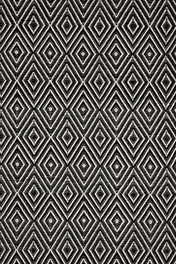Diamond black ivory indoor outdoor rug runners kitchen for Indoor outdoor runners rugs